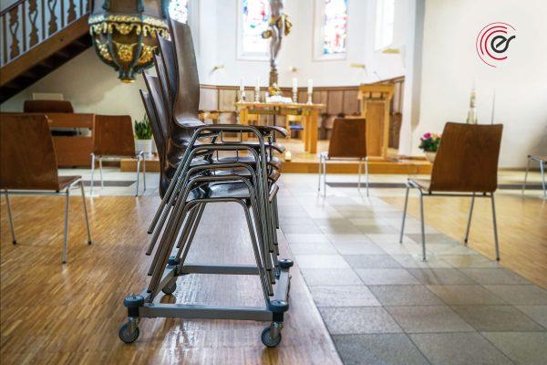 ErgoSus Stack Stuhltransportwagen Anwendung Kirche